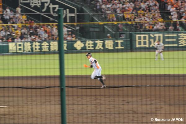 2塁から走る鈴木